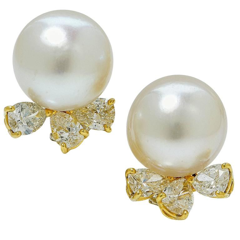 13.6 mm Pearl 3 Carats Diamonds Gold Earrings
