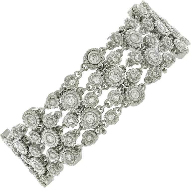 4.20 Carats Diamonds White Gold Bracelet