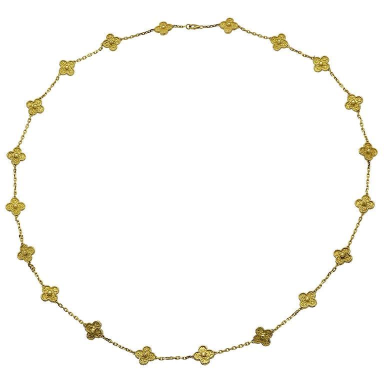 Van Cleef & Arpels Vintage Alhambra 20 Motif Necklace In Excellent Condition For Sale In Miami, FL