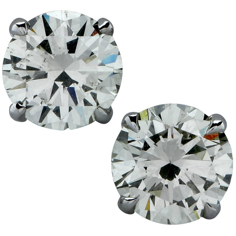 1.39 Carat Diamond Solitaire Stud Earrings For Sale