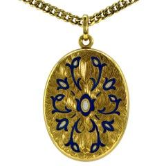 18 Karat Yellow Gold Locket Pendant and Necklace