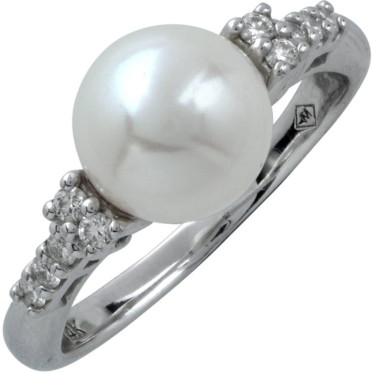 Pearl and Diamond Ring For Sale