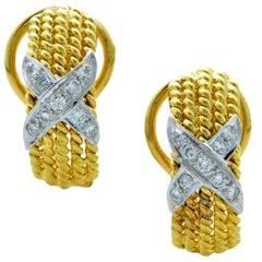 18 Karat Gold Lever-Back X Earrings