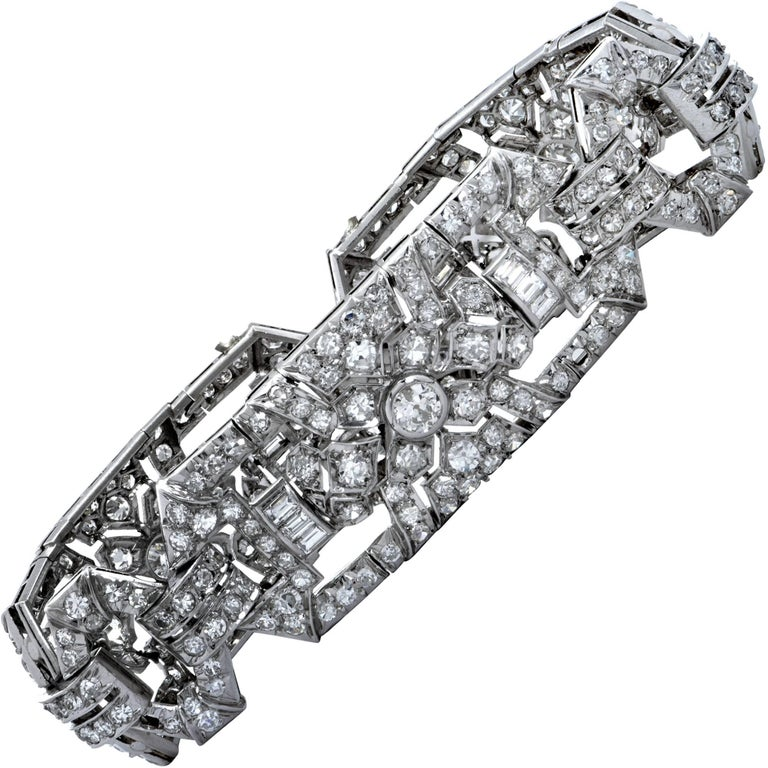 French Art Deco Diamond 18 Karat White Gold Bracelet, circa 1930s