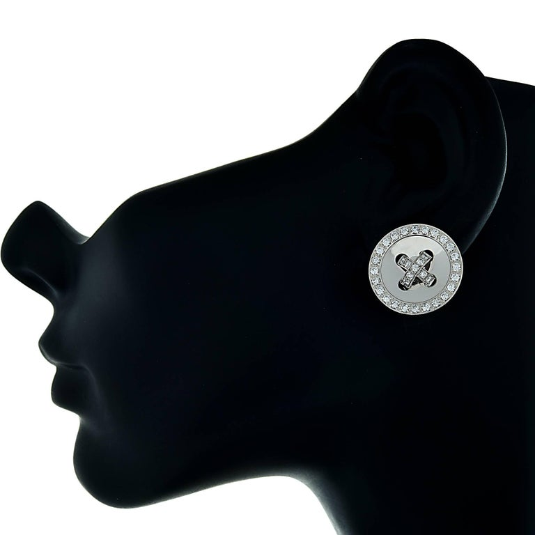 Modern Van Cleef & Arpels Button Earrings For Sale