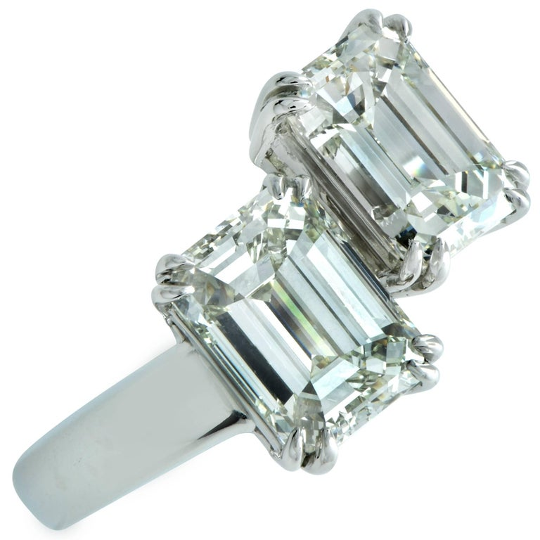 4.02 Carat Emerald Cut Diamond Platinum Bypass Ring In New Condition For Sale In Miami, FL