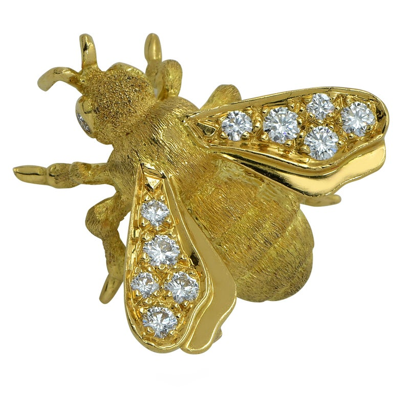Diamond Bee 18 Karat Yellow Gold Brooch Pin For Sale