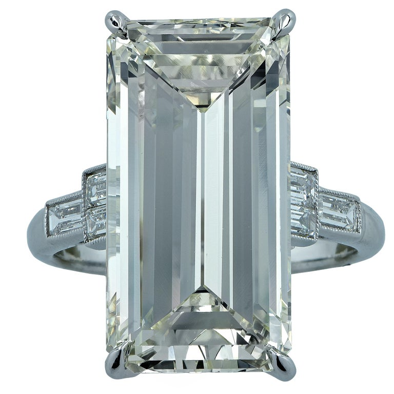 Modern 12.84 Carat Emerald Cut Diamond Platinum Engagement Ring For Sale