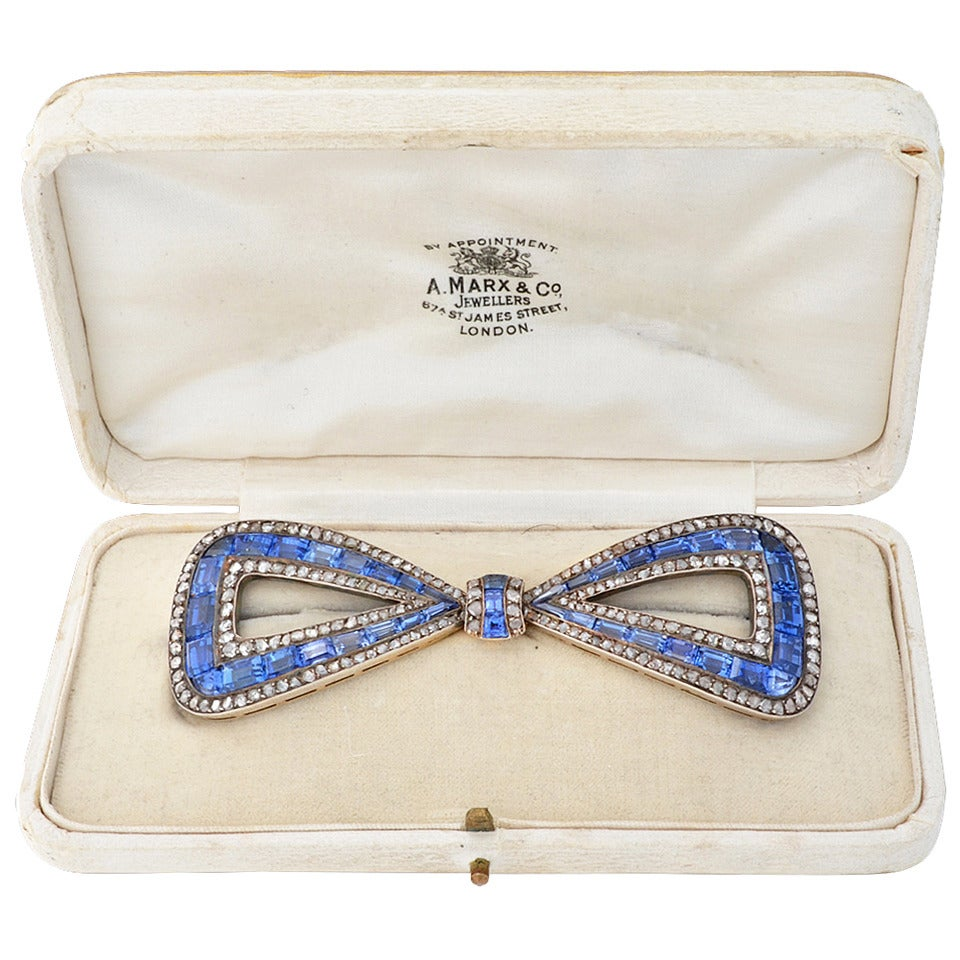 Delightful Antique 30 Carats Sapphires Diamond silver gold Bow Pin For Sale