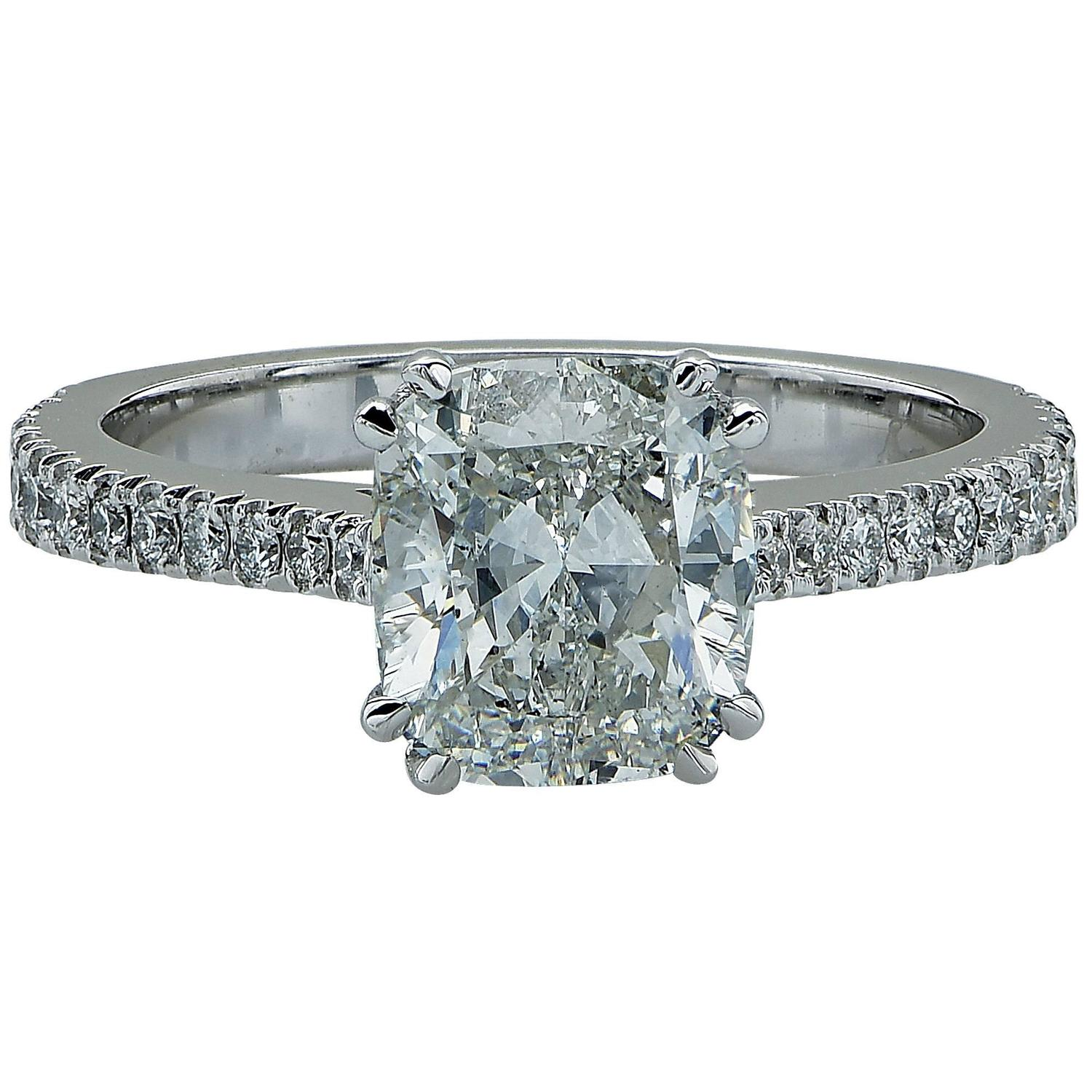 2 03 Carat Cushion Cut Diamond Gold Engagement Ring For Sale at 1stdibs