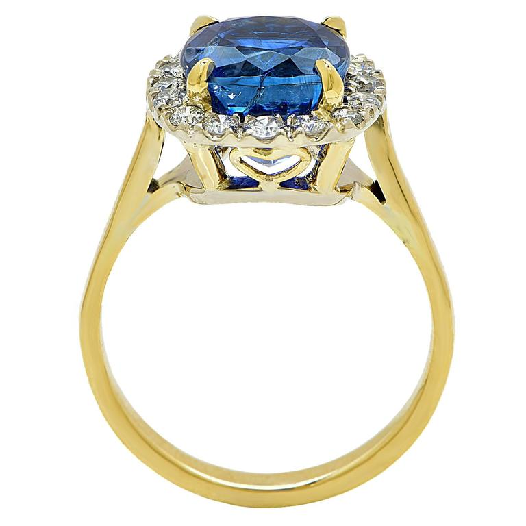 AGL Graded 4.97 Carat Sapphire Diamond Yellow Gold Ring In Excellent Condition For Sale In Miami, FL