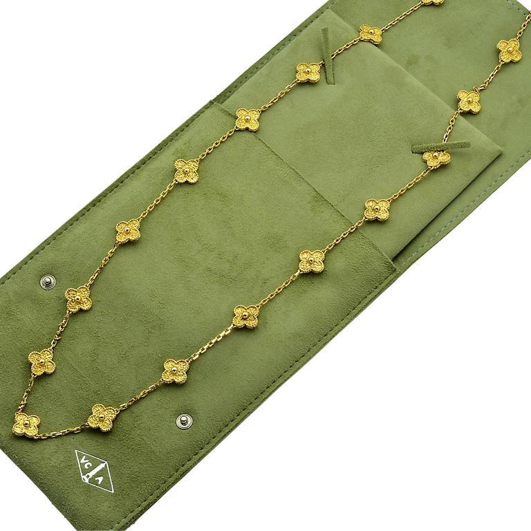 Women's Van Cleef & Arpels Vintage Alhambra 20 Motif Necklace For Sale