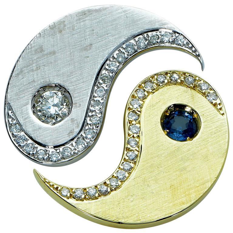 Sapphire Diamond White and Yellow Gold Pendant In Excellent Condition For Sale In Miami, FL