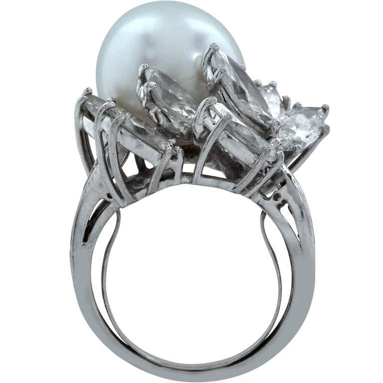 Pearl and Diamond Ring In Excellent Condition For Sale In Miami, FL
