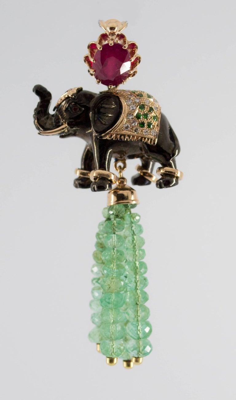 Renaissance 19.90 Carat Emerald 3.10 Carat Ruby Tsavorite Yellow Gold Elephant Pendant For Sale