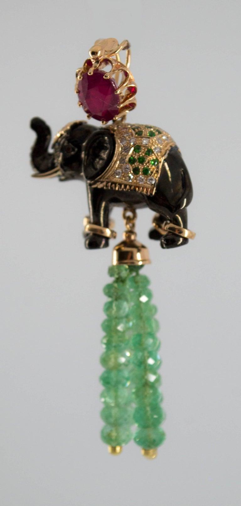 19.90 Carat Emerald 3.10 Carat Ruby Tsavorite Yellow Gold Elephant Pendant For Sale 2