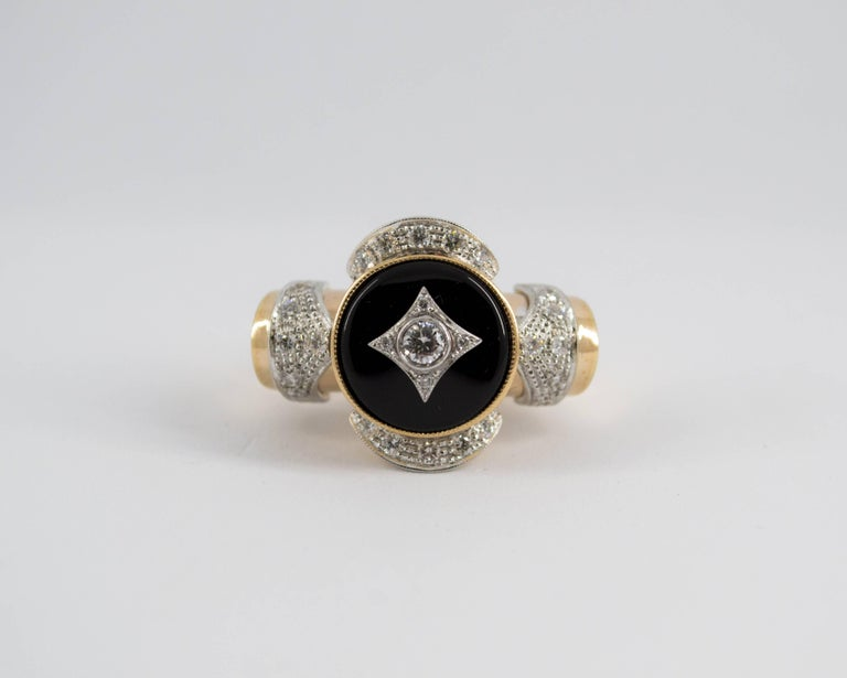 Renaissance Style 0.75 Carat Diamond Onyx Yellow Gold Cocktail Ring In New Condition For Sale In Naples, IT