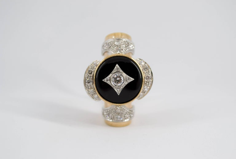 Renaissance Style 0.75 Carat Diamond Onyx Yellow Gold Cocktail Ring For Sale 4
