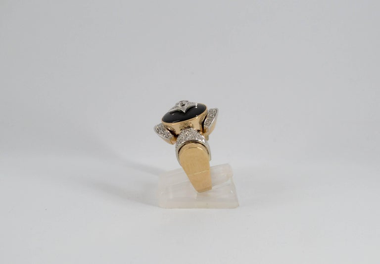Renaissance Style 0.75 Carat Diamond Onyx Yellow Gold Cocktail Ring For Sale 7