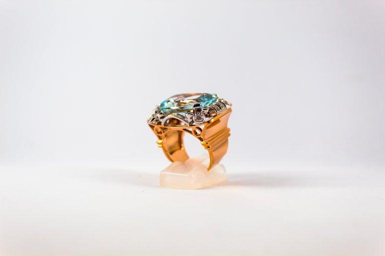 Renaissance 15.20 Carat Aquamarine 0.87 Carat White Diamond Yellow Gold Cocktail Ring For Sale