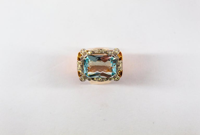 15.20 Carat Aquamarine 0.87 Carat White Diamond Yellow Gold Cocktail Ring For Sale 15