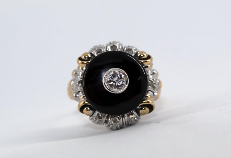 Renaissance Style 0.20 Carat White Diamond Onyx Yellow Gold Cocktail Ring For Sale 1