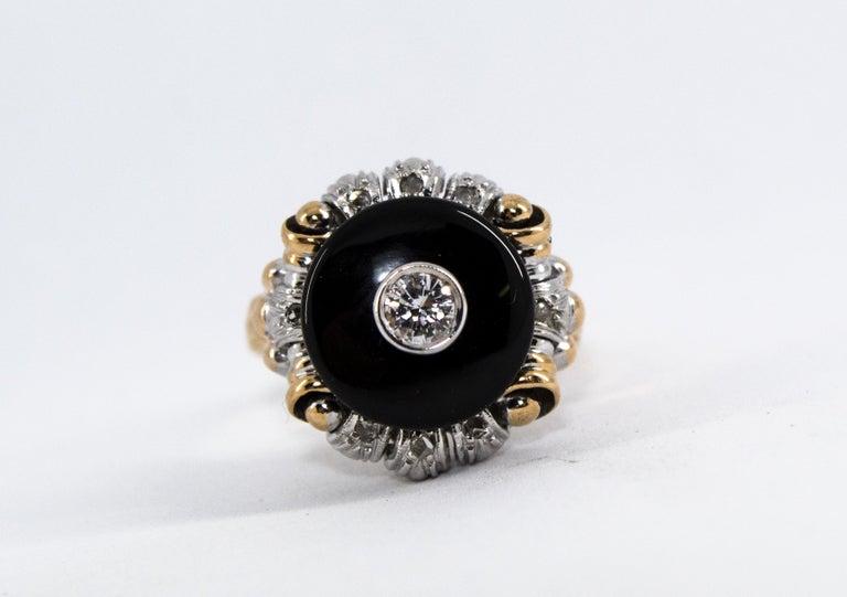 Renaissance Style 0.20 Carat White Diamond Onyx Yellow Gold Cocktail Ring For Sale 2