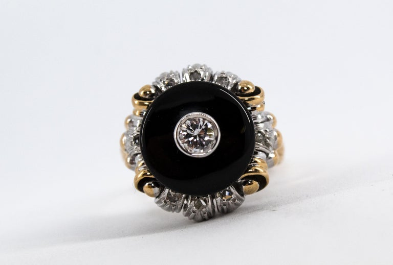 Renaissance Style 0.20 Carat White Diamond Onyx Yellow Gold Cocktail Ring For Sale 3