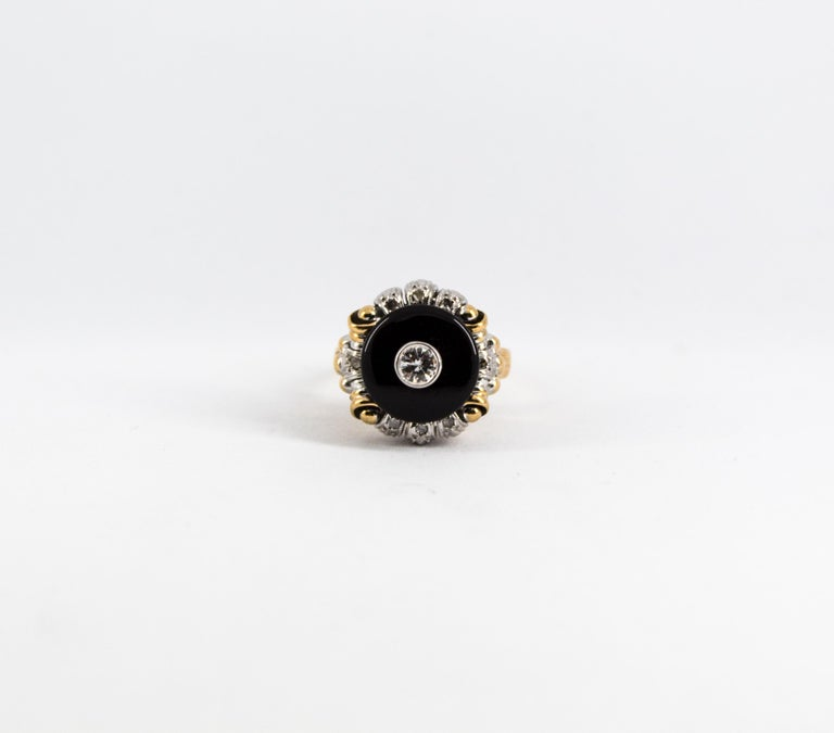 Renaissance Style 0.20 Carat White Diamond Onyx Yellow Gold Cocktail Ring For Sale 4
