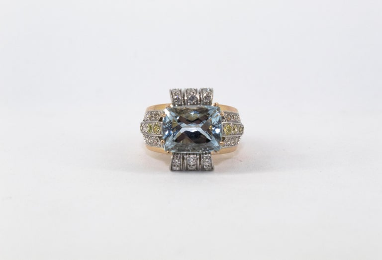 Art Deco Style 7.18 Carat Aquamarine 0.94 Carat Diamond Yellow Gold Ring For Sale 4