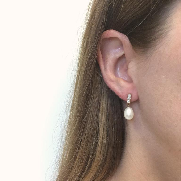 18 Karat Rose Gold Freshwater Pearls and Diamond Earrings In New Condition For Sale In Montreal, Quebec