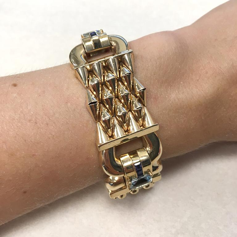 Emerald Cut 14 Karat Yellow Gold Aquamarine and Sapphire Flexible Ladies Bracelet For Sale