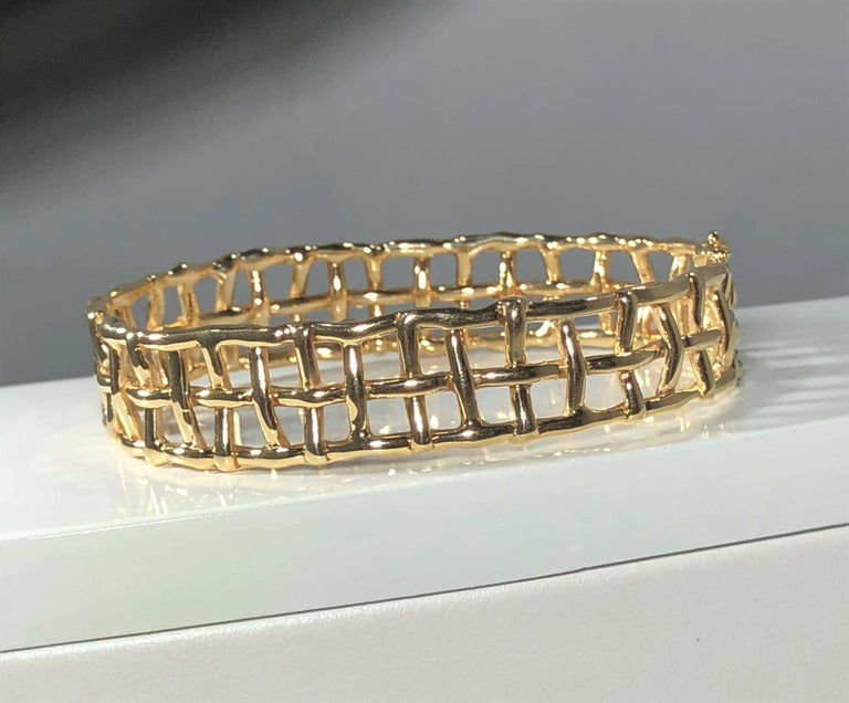 Modern Daunis 14 Karat Yellow Gold Hinged Cuff Bracelet For Sale