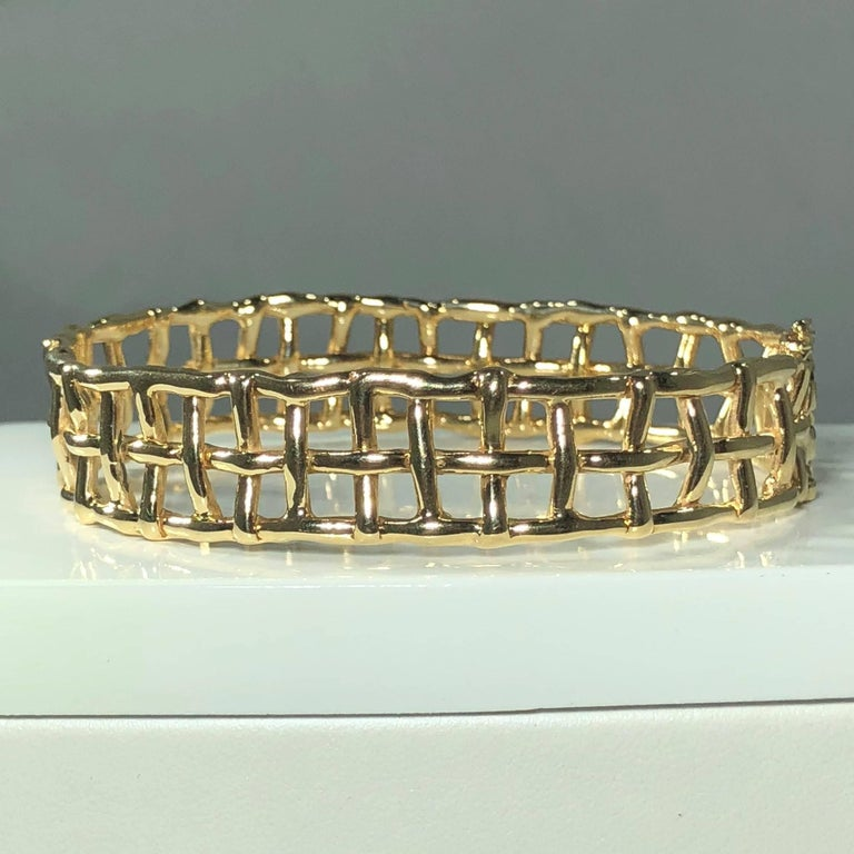 Daunis 14 Karat Yellow Gold Hinged Cuff Bracelet In As New Condition For Sale In Mansfield, OH