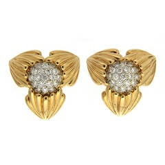 Diamond Pave Gold Three-Star Pointed Earrings