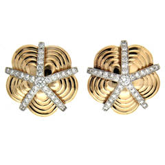Valentin Magro Diamond Gold Star Petal Sand Dollar Earrings