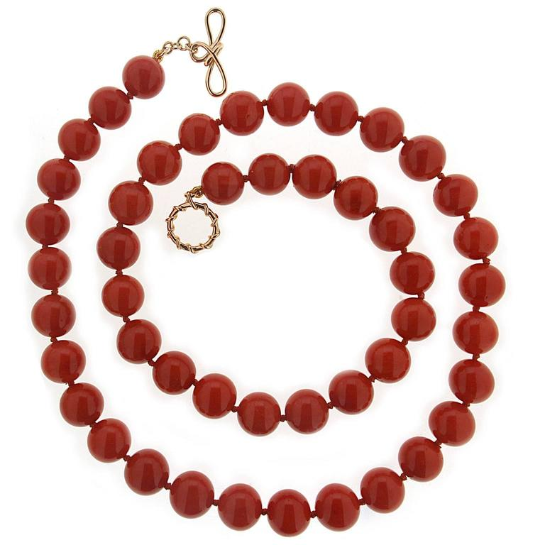 Valentin Magro Round Dark Red Coral Bead Gold Necklace