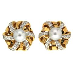 Valentin Magro Spin Ribbon Pearl Earrings with Pave Diamonds