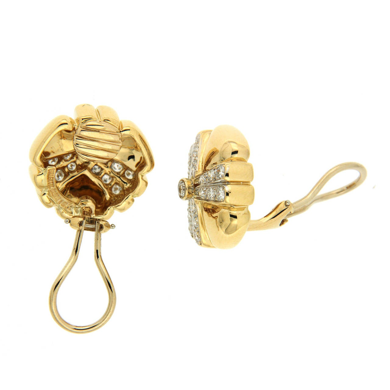 Pave diamond gold mercedes earrings for sale at 1stdibs for Mercedes benz 18k gold ring