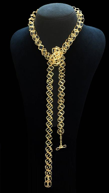 Geometric Cushion Interlocking Cube Medium Gold Necklace 5
