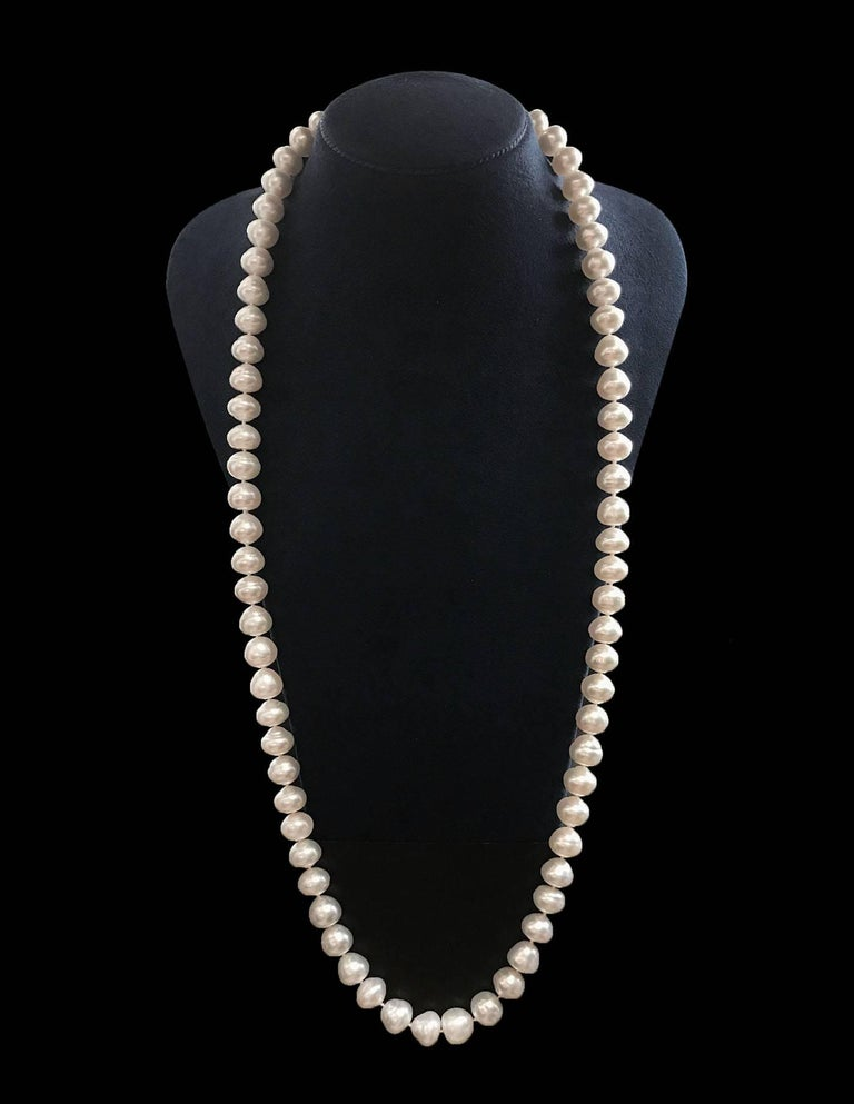 35 Inch South Sea Pearl Gold Necklace  In As new Condition For Sale In New York, NY