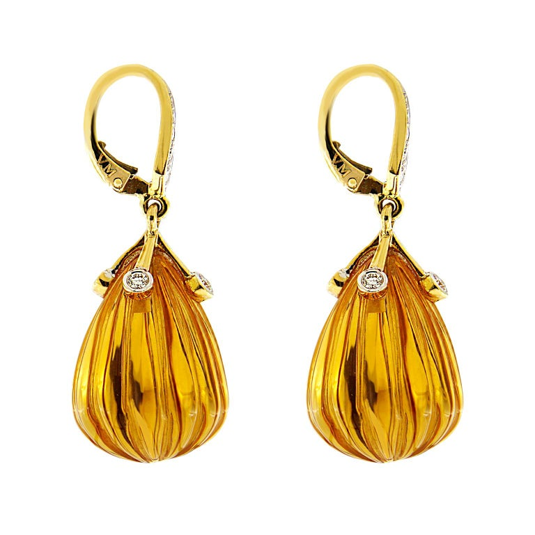 Carved Madeira Citrine Diamond Gold Drop Earrings In New Condition For Sale In New York, NY