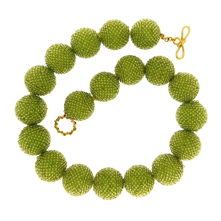 Valentin Magro Large Peridot Gold Woven Ball Necklace In New Condition For Sale In New York, NY