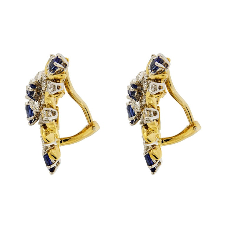 Sapphire Diamond Gold Triangular Vine Earrings In New Condition For Sale In New York, NY