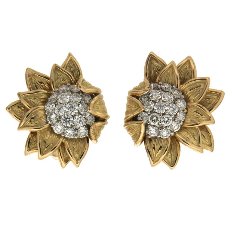 Fold over sunflower earrings with diamonds For Sale