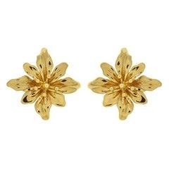 Valentin Magro Octopetal Flower Earrings in Gold
