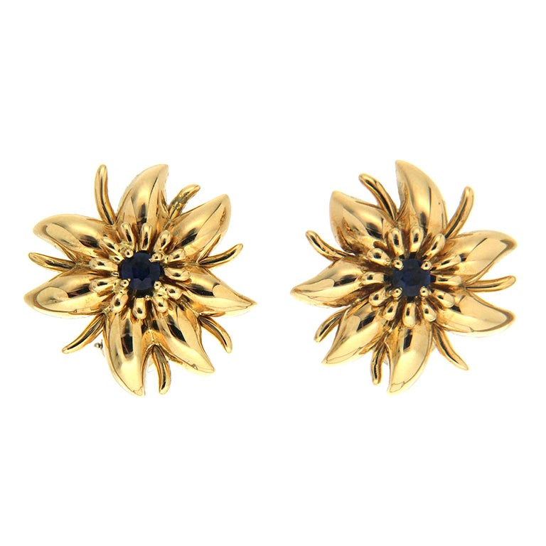 Valentin Magro Gold Flower Petal Earrings with Sapphire For Sale