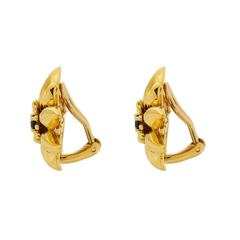 Modern Valentin Magro Gold Flower Petal Earrings with Sapphire For Sale