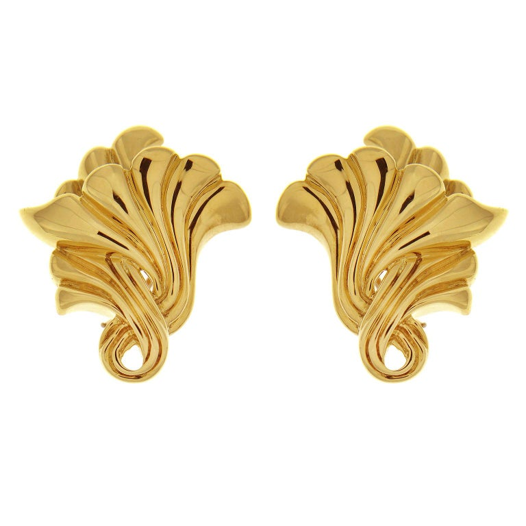 Valentin Magro Gold Trumpet Flower Earrings