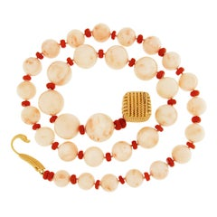 Valentin Magro Graduating Angel Skin Coral Necklace